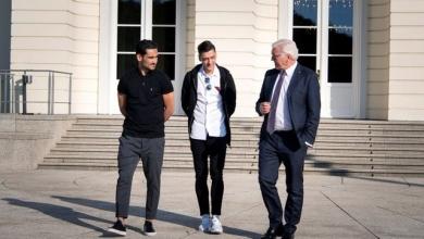 Germany's soccer stars Mesut Ozil and Ilkay Gundogan meet with German President Frank-Walter Steinmeier